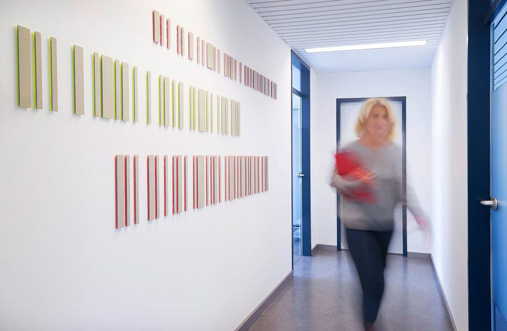 Barcode Arbeit -Recht - Gesetz   I   2016   I   Mischtechnik auf u. hinter Alucobond